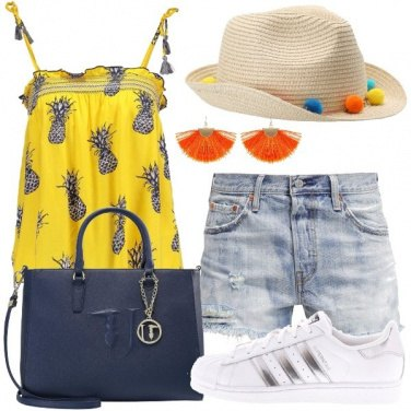 Outfit Trendy con pompon ed ananas
