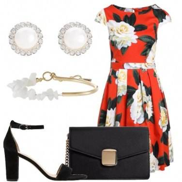 Outfit Fiori sul rosso