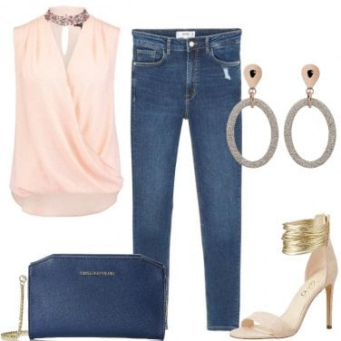 Outfit Top cipria e jeans