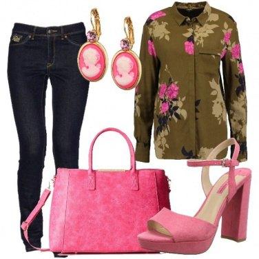 Outfit Jeans e fiori