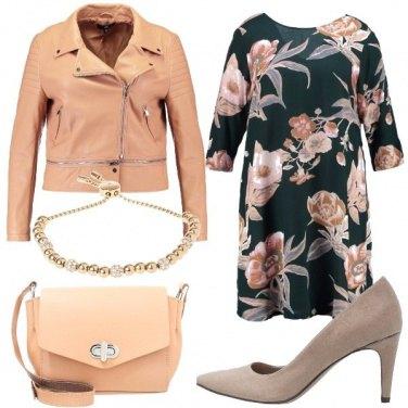 Outfit Chiodo grintoso e abito romantico