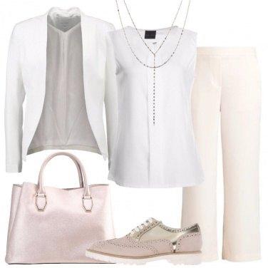 Outfit Mannish dai colori tenui