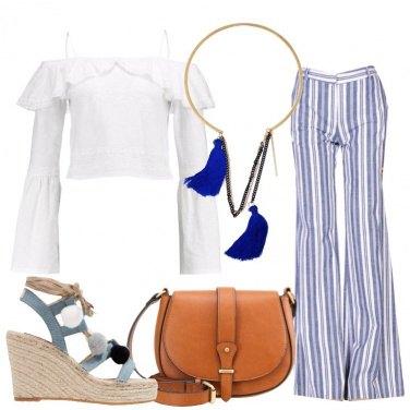 Outfit Sandalo con pon pon