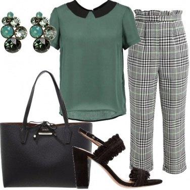 Outfit Pantalone fantasia a scacchi
