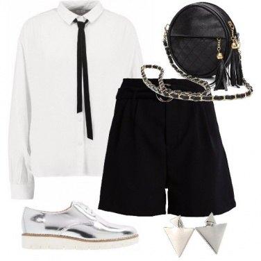 Outfit Bianco nero e argento