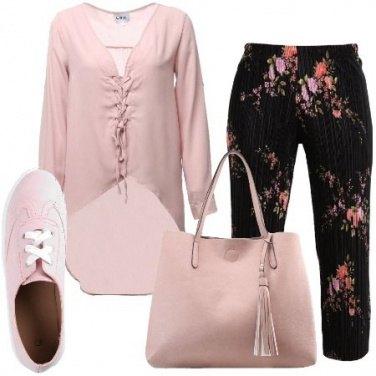Outfit Rosa per tutti i giorni