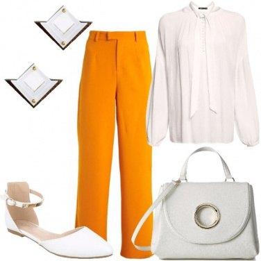 Outfit Camicetta e pantaloni palazzo