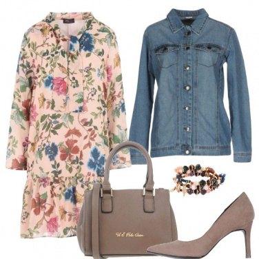 Outfit Fiori jeans e tacchi