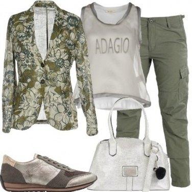 Outfit Pantalone cargo e giacca