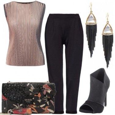 Outfit Plissé e tacco a spillo