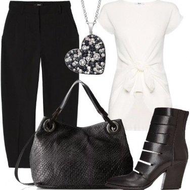 Outfit Ritorno in facoltà in bianco e nero