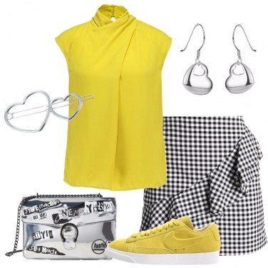 Outfit Giallo solare