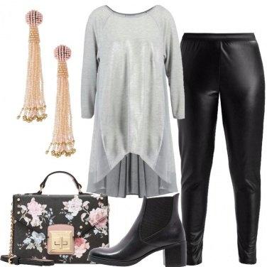 Outfit Borsa in fantasia floreale