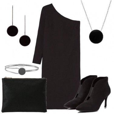 Outfit L\'abito monospalla