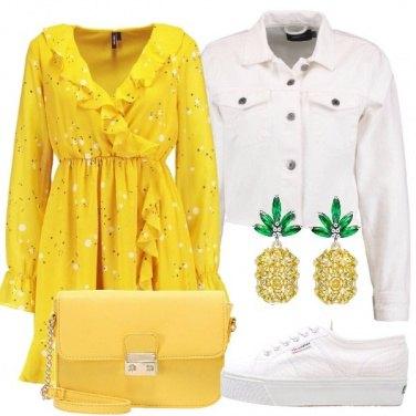 Outfit Giallo ananas