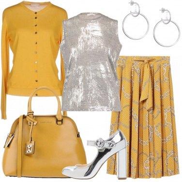 Outfit Senape e silver