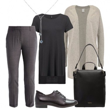Outfit Colori basici e linee semplici