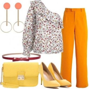 Outfit Pantalone a zampa