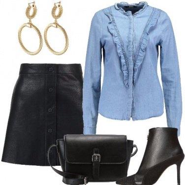 Outfit Minigonna jeans e tronchetti