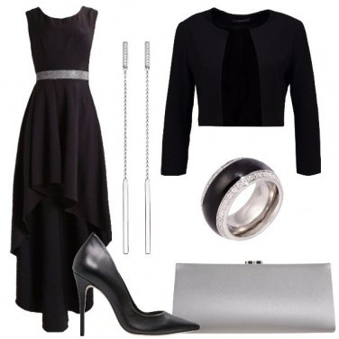 Outfit Asimmetrico in nero