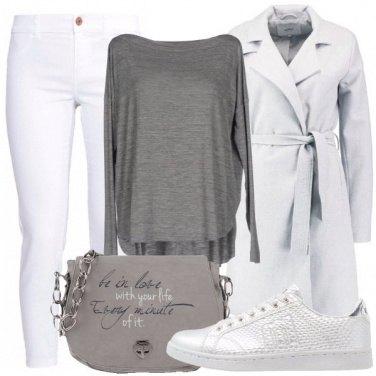 Outfit Scala di grigi