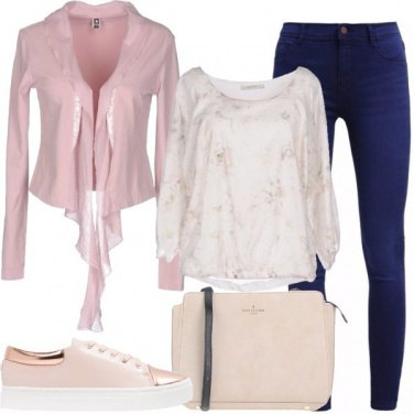 Outfit Jeans e sneakers rosa