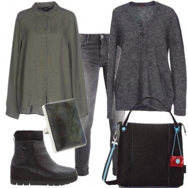 Outfit Praticamente grigio