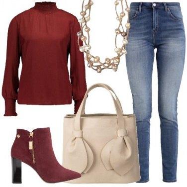 Outfit Jeans e bordeaux