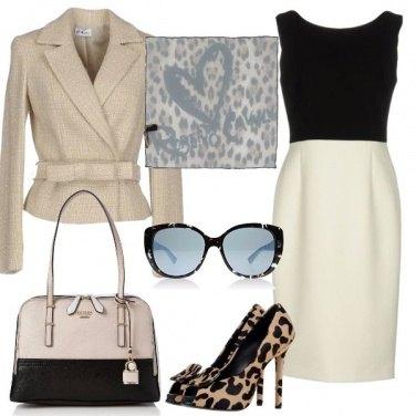 Outfit Foulard e occhiali da diva
