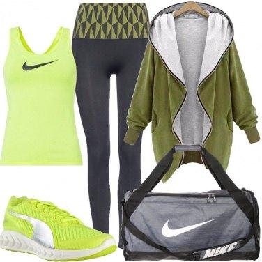Outfit Fitness in verde acido e grigio