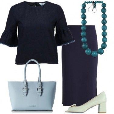 Outfit E\' di scena il blu