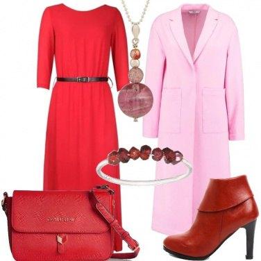 Outfit Rosso e rosa in passerella