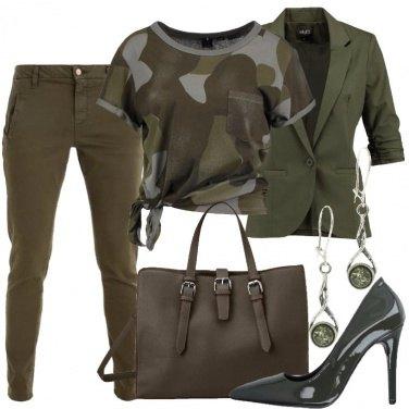 Outfit Un po\' militare