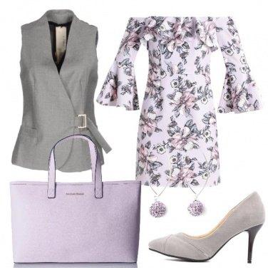 Outfit Il vestito lilla a stampa floreale