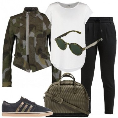 Outfit Viaggio in stile militare