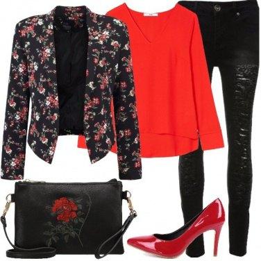 Outfit Fiori in rosso