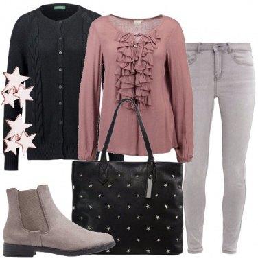 Outfit Glamour con poco colore