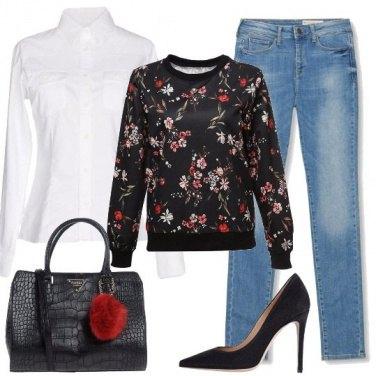 Outfit La felpa a fiori