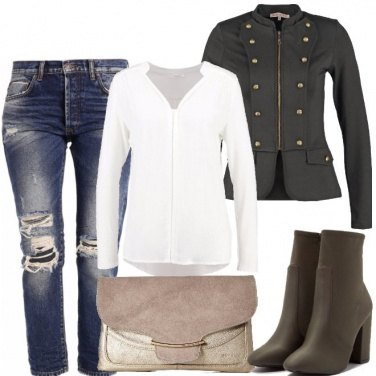Outfit Blazer militare e jeans baggy