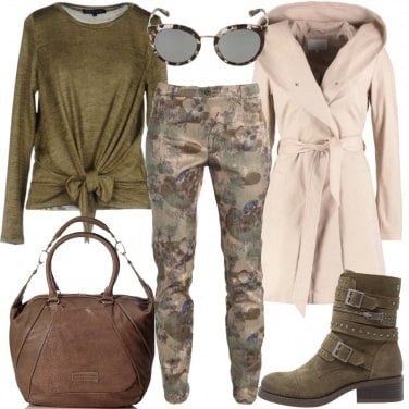 Outfit Camouflage floreale