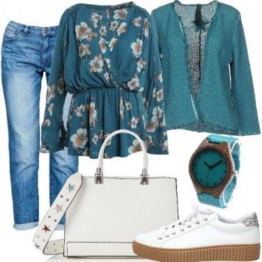 Outfit Mood floreale e turchese