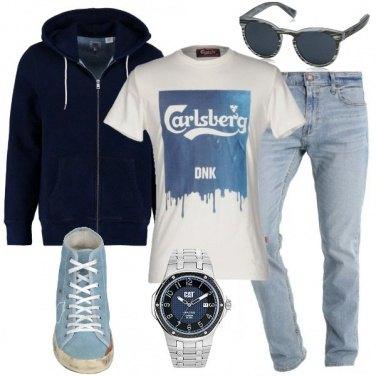Outfit Accostamenti con la felpa blu