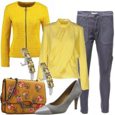 Outfit Fiori e tacco