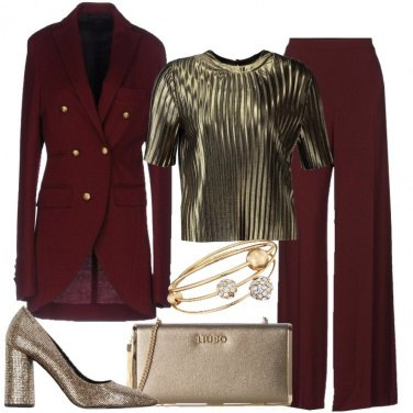 Outfit Chic in bordeaux e oro