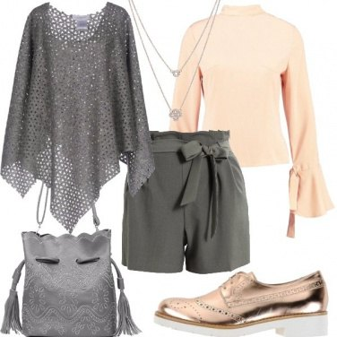 Outfit Shorts e poncho