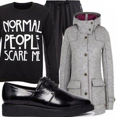 Outfit Normal people scare me_saldi