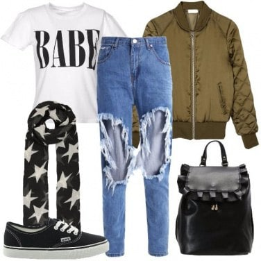 Outfit I jeans con gli strappi
