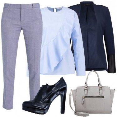 Outfit Riunione in blu e grigio