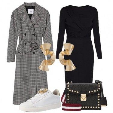 Outfit Il tubino con le sneakers