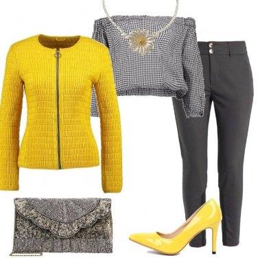 Outfit Giallo e grigio